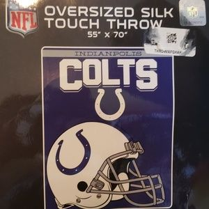 Oversize Silk Colts Touch Throw